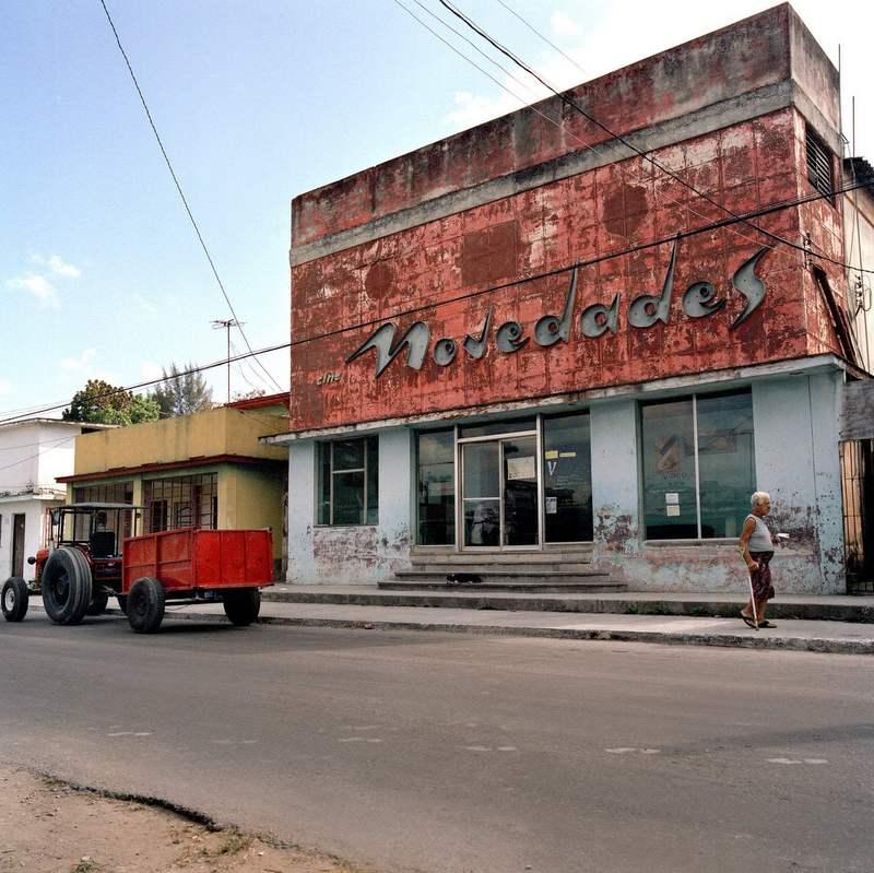 Σε αυτή τη φωτογραφική σειρά η Κούβα είναι το νησί των σινεμά