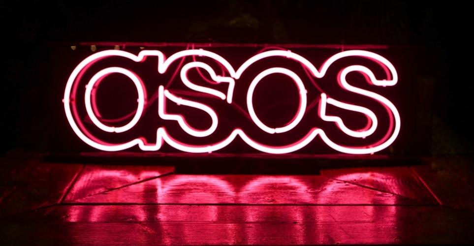 Το ASOS θα σταματήσει την πώληση ρούχων από mohair, μετάξι και κασμίρ