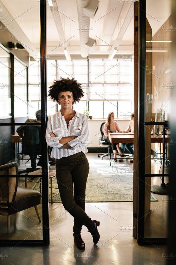 4 απλές συμβουλές για να πετύχεις στην καινούργια σου δουλειά