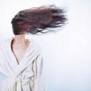5 τρόποι να μειώσεις στον μισό το χρόνο στεγνώματος των μαλλιών σου