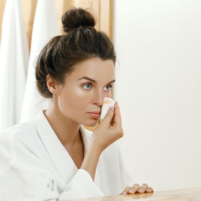 7 λάθη που κάνεις στην skincare ρουτίνα σου και πώς να τα αποφύγεις