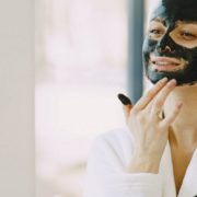 Double masking: το beauty trick που θα καλύψει τις ανάγκες της μεικτής επιδερμίδας σου