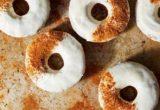 Φτιάξε carrot cake doughnuts για τα πρωινά που θες να καλομάθεις τον εαυτό σου