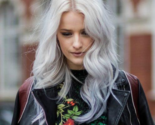 Καταρρίπτουμε τους πιο γνωστούς μύθους για τη σχέση των μαλλιών με το νερό