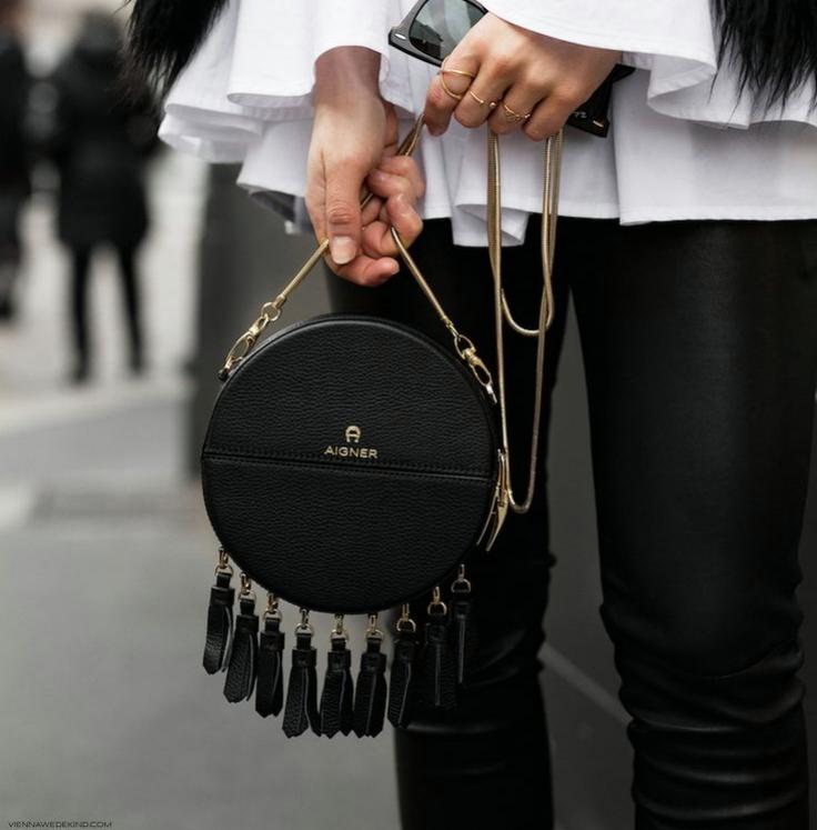 e10c40c74df87b7f4e390da1aec0e748-bag-trend-dresses-trend-_fotor