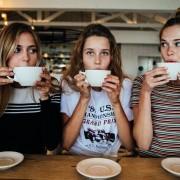 Πως θα καταφέρεις να κρατήσεις επαφή με τους φίλους σου όσο μεγαλώνεις