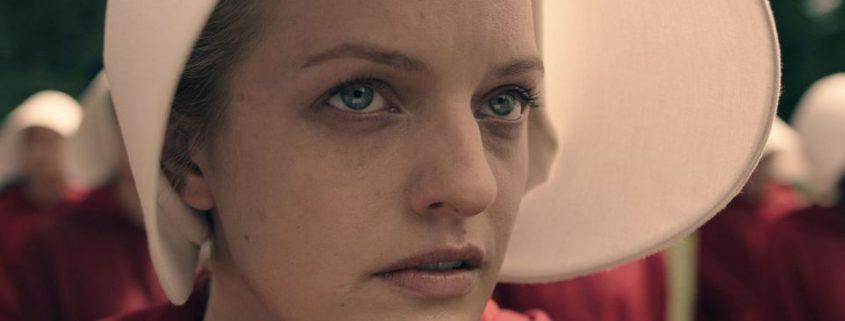 H Elisabeth Moss αφυπνίζει αυτούς που θεωρούν τρομακτικό το Handmaid's Tale