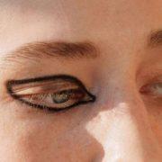 Οι φωτογραφίες που μας έκαναν να αλλάξουμε τον τρόπο που βάζουμε eyeliner