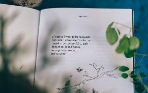 Οι ποιητές που αγαπήσαμε μέσα από το Instagram