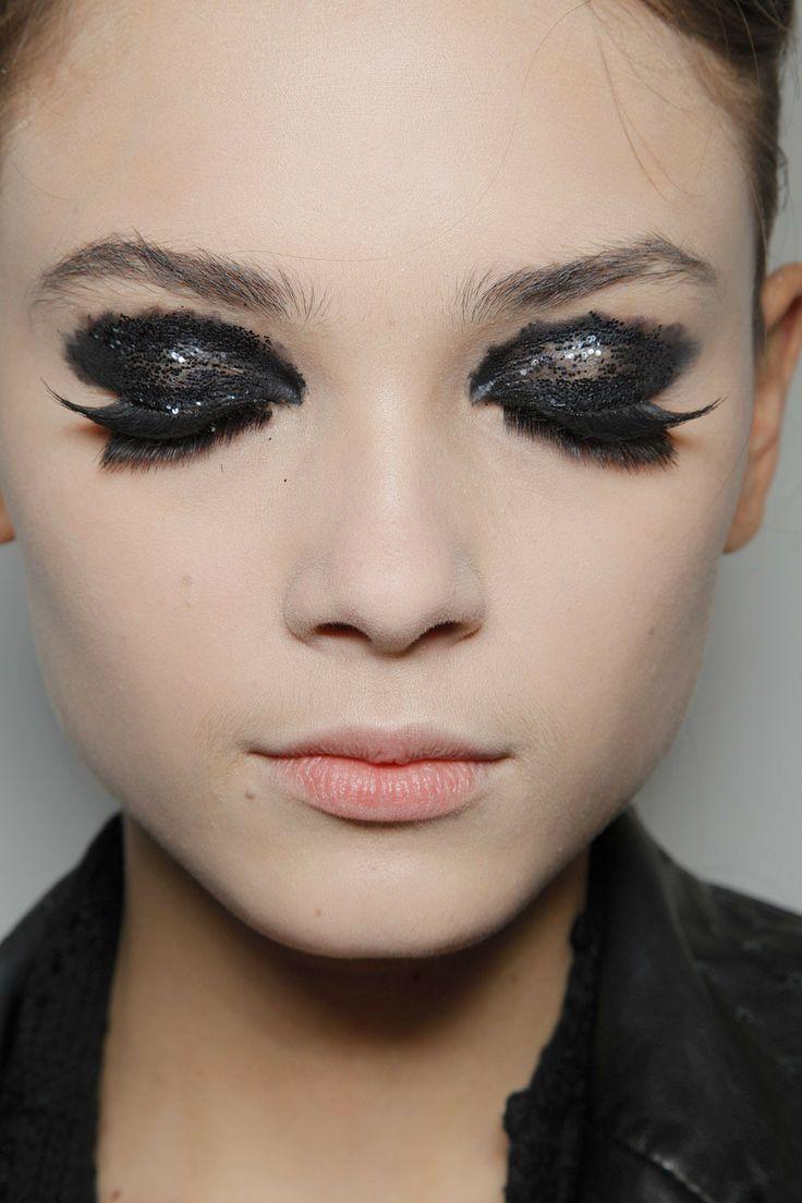 festive eyelashes-savoir ville