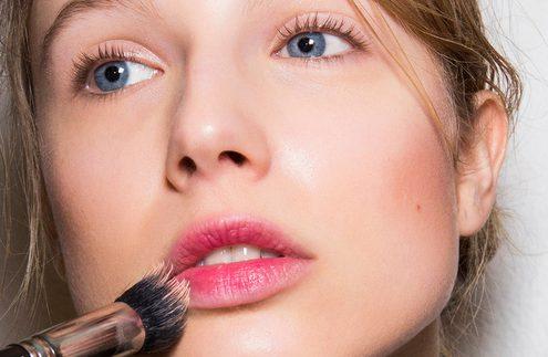 4 λόγοι που θα σε πείσουν να αντικαταστήσεις το foundation σου με αντηλιακό