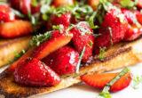 4 συνταγές με φράουλες που θα φτιάχνεις συχνά αυτό το καλοκαίρι