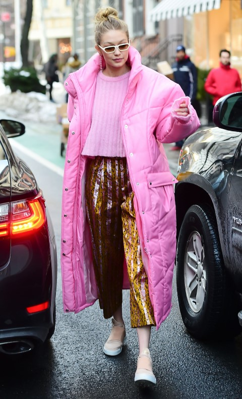 NEW YORK, NY - JANUARY 09: Model Gigi Hadid is seen walking in Soho on January 9, 2018 in New York City. (Photo by Raymond Hall/GC Images)