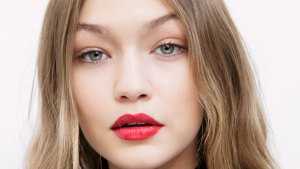 15 lipstick tips & tricks που θα εύχεσαι να ήξερες νωρίτερα