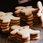 gingerbread-men-garland