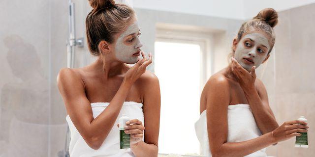 Πώς θα προετοιμάσεις το δέρμα σου για τα ξενύχτια των γιορτών
