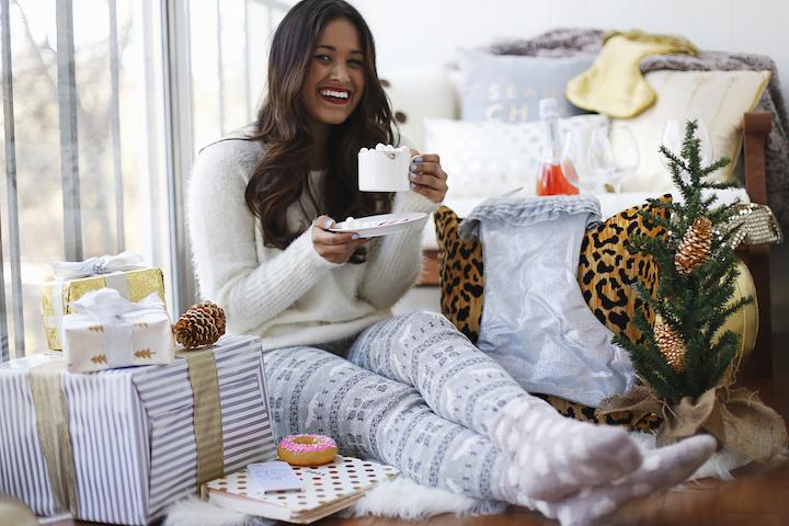 Πώς θα ντυθούμε με χριστουγεννιάτικο vibe στις στιγμές που χαλαρώνουμε στο σπίτι