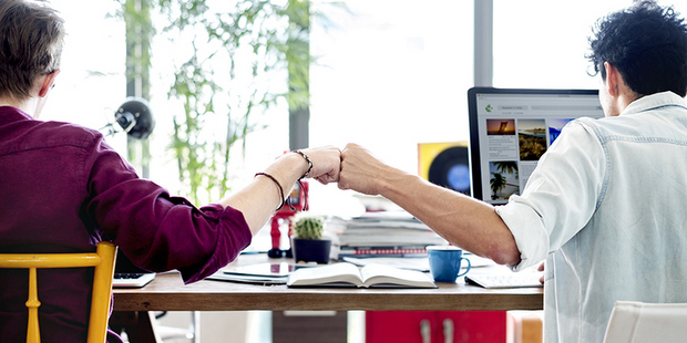 Πώς να βελτιώσεις τις σχέσεις σου με τους συναδέλφους σου σε πολύ λίγο χρόνο