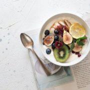 6 συνδυασμοί τροφών που θα βελτιώσουν τον ύπνο σου