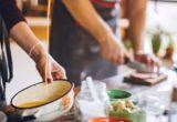 6 μυστικά για τη μαγειρική που χρειάζεται να ξέρει ένας millennial