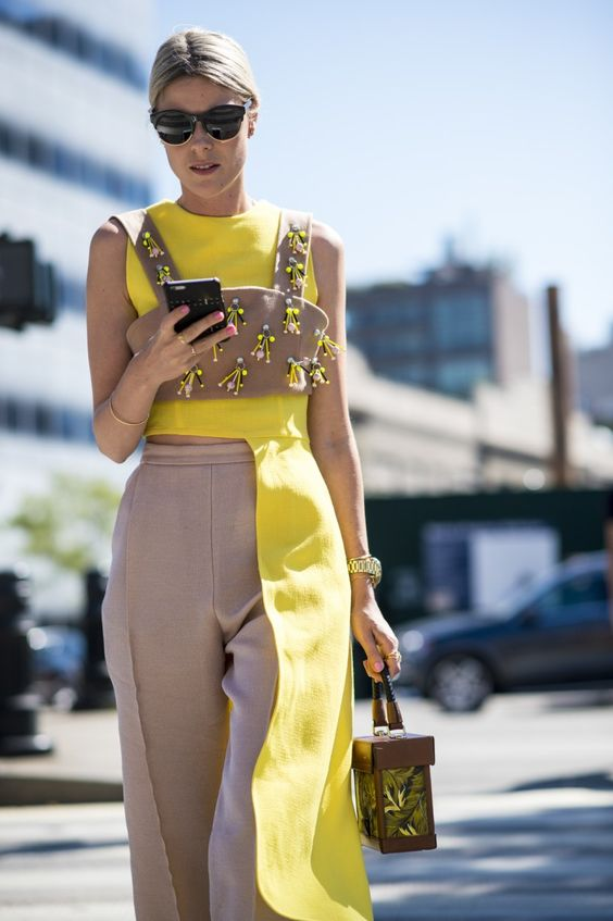 how-wear-yellow-cool-chic-style-fashion