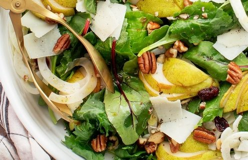 Σαλάτα με αχλάδια, μπαλσάμικο και καρύδια