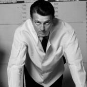 Θυμόμαστε μερικά από τα ιστορικά σχέδια του Hubert de Givenchy
