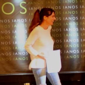 Σταύρος Δάλκος (Άλεξ) Κατερίνα Χατζάκη και Αφροδίτη Βέντη σε στιγμές γέλιου