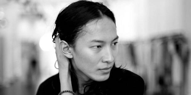 Ο Alexander Wang δημιούργησε την πιο cool τσάντα της σεζόν