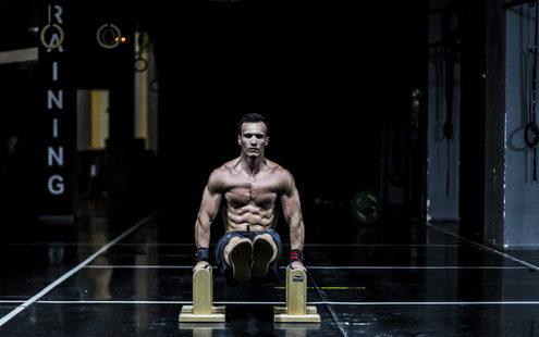 Αποστολή Sixpack: Ο fitness guru Δημήτρης Μώρος σου δίνει όλα τα tips που χρειάζεσαι