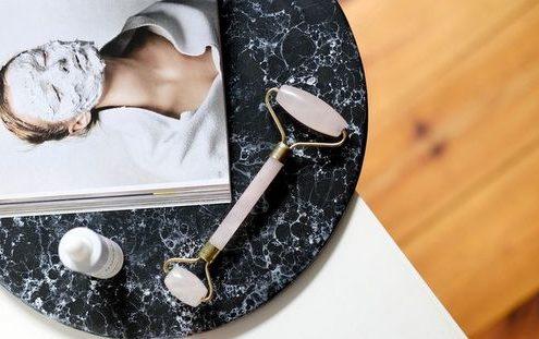Jade Roller: όλα όσα πρέπει να ξέρεις για το πιο αγαπημένο beauty gadget του Instagram