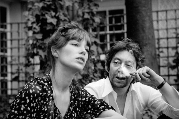 10 απαραίτητα καλοκαιρινά items εμπνευσμένα από τις εμφανίσεις της Jane Birkin