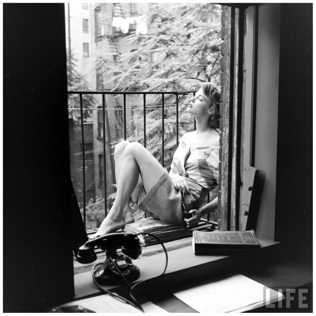 jean-patchett-escaping-the-heat-on-the-fire-escape-of-eileen-ford_s-agency-photo-by-nina-leen-new-york-city-julyc2a01948-c