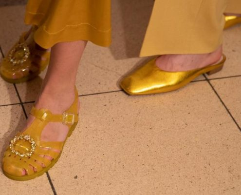 Τα jelly shoes θα έχουν τη fashion στιγμή τους αυτό το καλοκαίρι