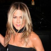 Οι 8 fashion κανόνες που μάθαμε από τη Jennifer Aniston