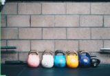 Πώς να εκτελείς σωστά τα kettlebell swings
