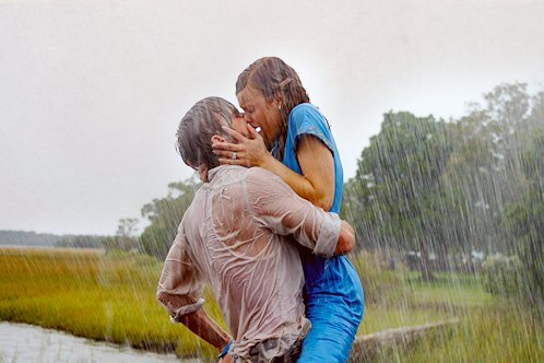 kiss-love-rain-the-notebook-Favim.com-245723