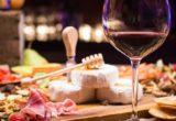 Πως να επιλέξεις τι κρασί θα πιείς όταν δεν έχεις ιδέα από wine pairing