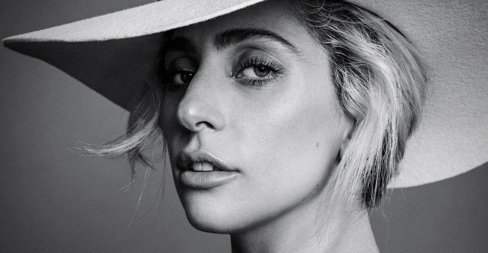Το στυλιστικό δίδυμο πίσω από τις edgy εμφανίσεις της Lady Gaga