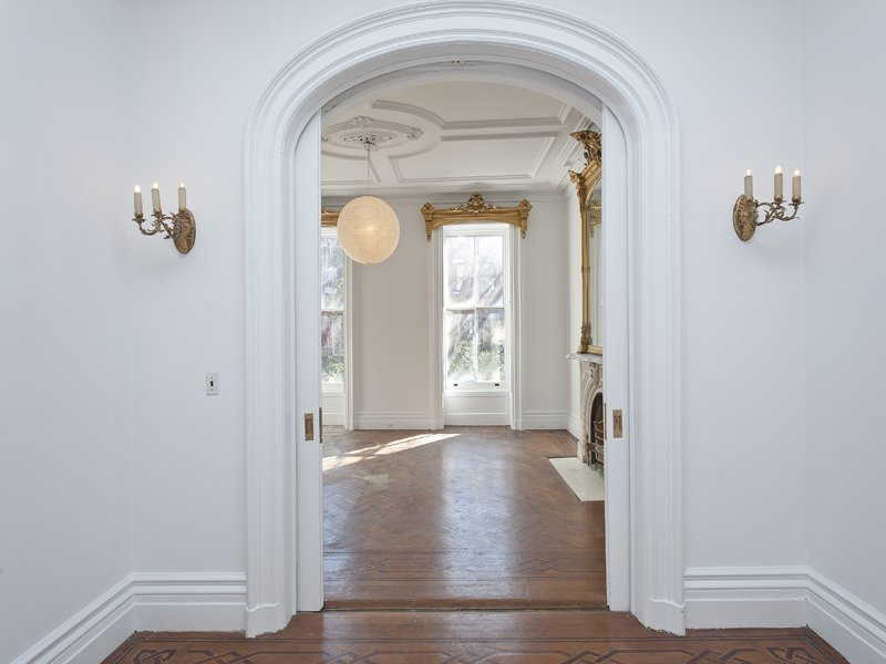 look-arches-beautiful-sconces