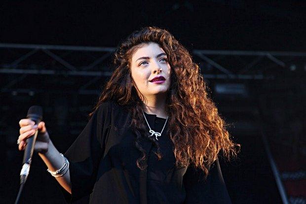 "H Lorde λέει ότι το νέο της άλμπουμ θα είναι ""so f*cking good"" και την πιστεύουμε"