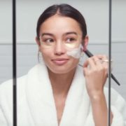 Μανδελικό οξύ: τα οφέλη του νέου super star του skincare