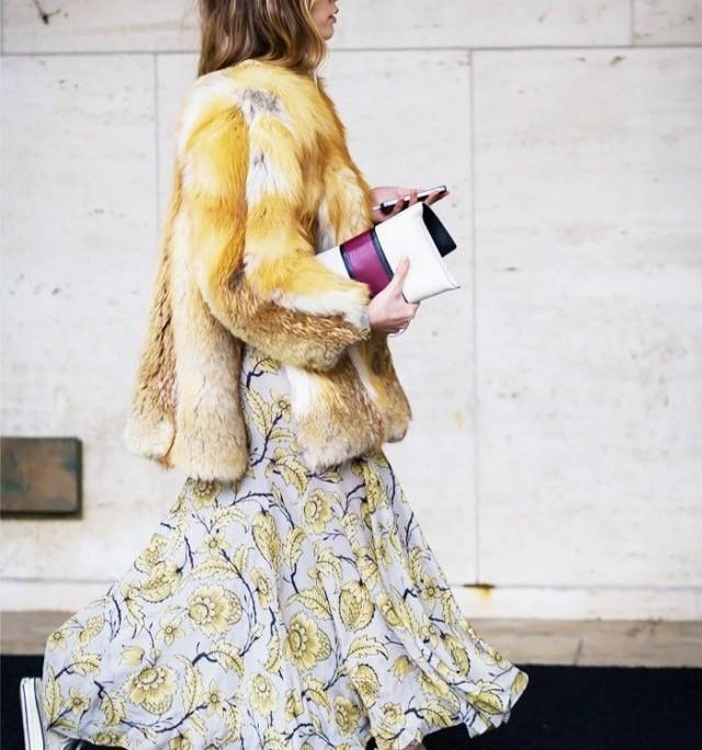 maxi-dress-in-winter-sneakers-fur-coat-www-640x875