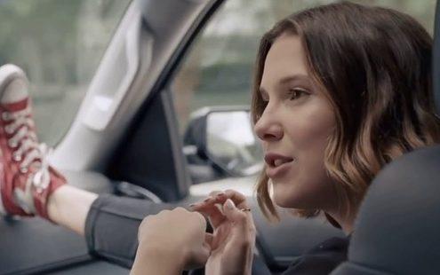 Η Millie Bobby Brown στην νέα καμπάνια της Converse είναι το female icon που χρειαζόσουν