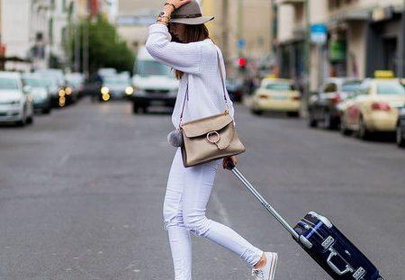 Tips για να φαίνεσαι σαν ντόπια στα επόμενα ταξίδια σου