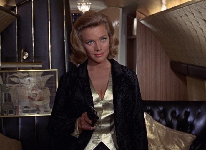 Με αφορμή τη νέα Bond movie που πήρε κι άλλη παράταση θυμόμαστε τα iconic Bond girls