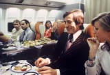 6 τροφές που πρέπει να αποφεύγεις στο αεροπλάνο