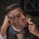 Peaky Blinders: Γιατί η γκανγκστερική σειρά του Netflix κάνει τέτοιο χαμό;