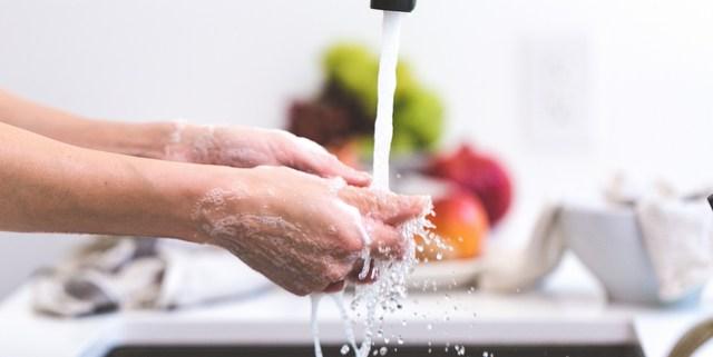 τρόποι να ξοδεύουμε λιγότερο νερό