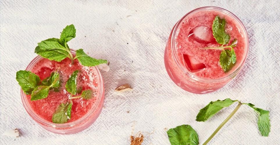 Τα cocktails και το finger food που θα χρειαστείς για το Girls Night In με τις κολλητές σου